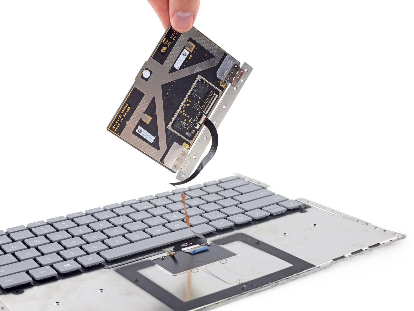 Ben_trong_Surface_Laptop_12.jpeg