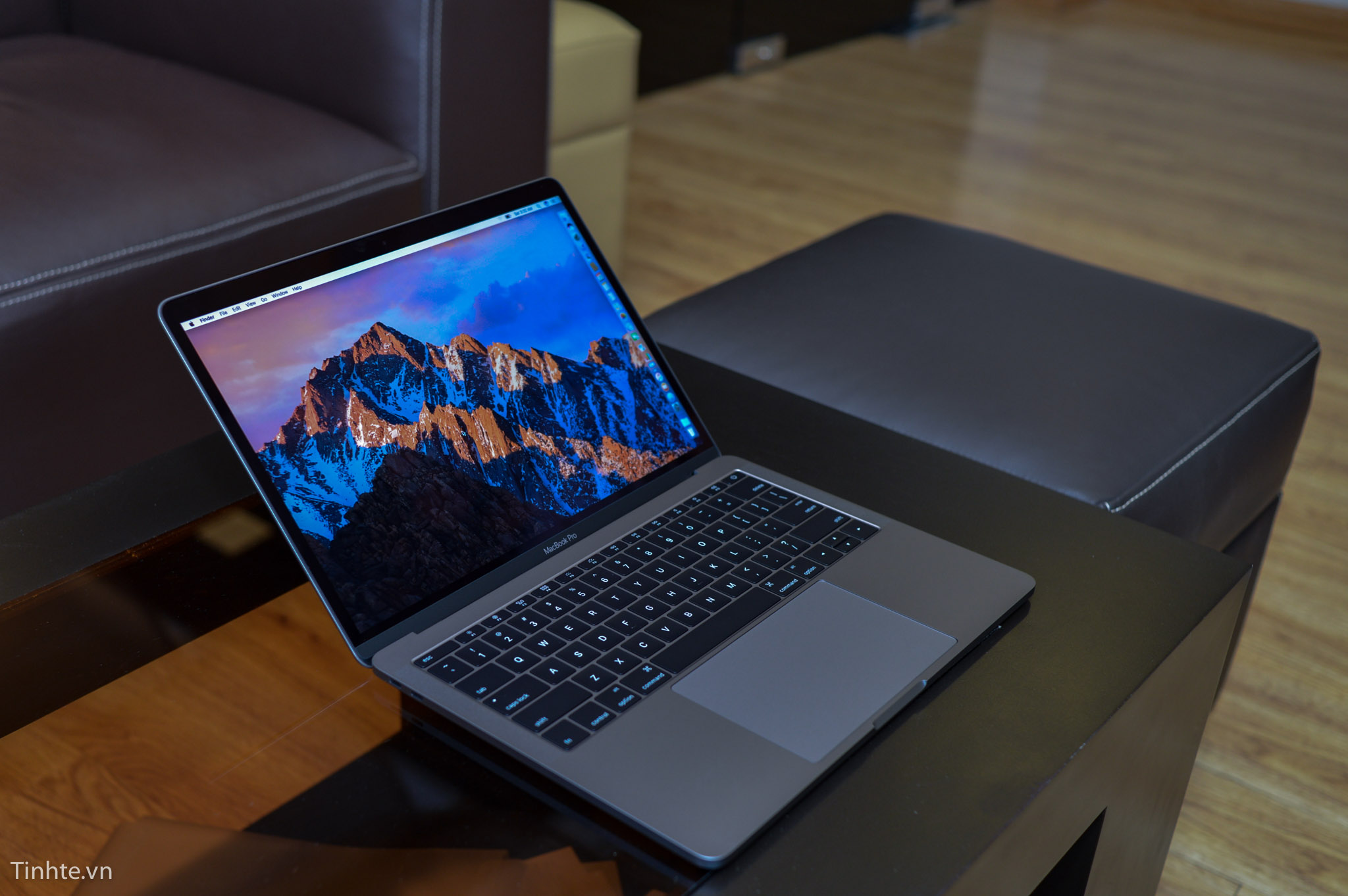 Macbook_Pro_13_late_2016-12.jpg