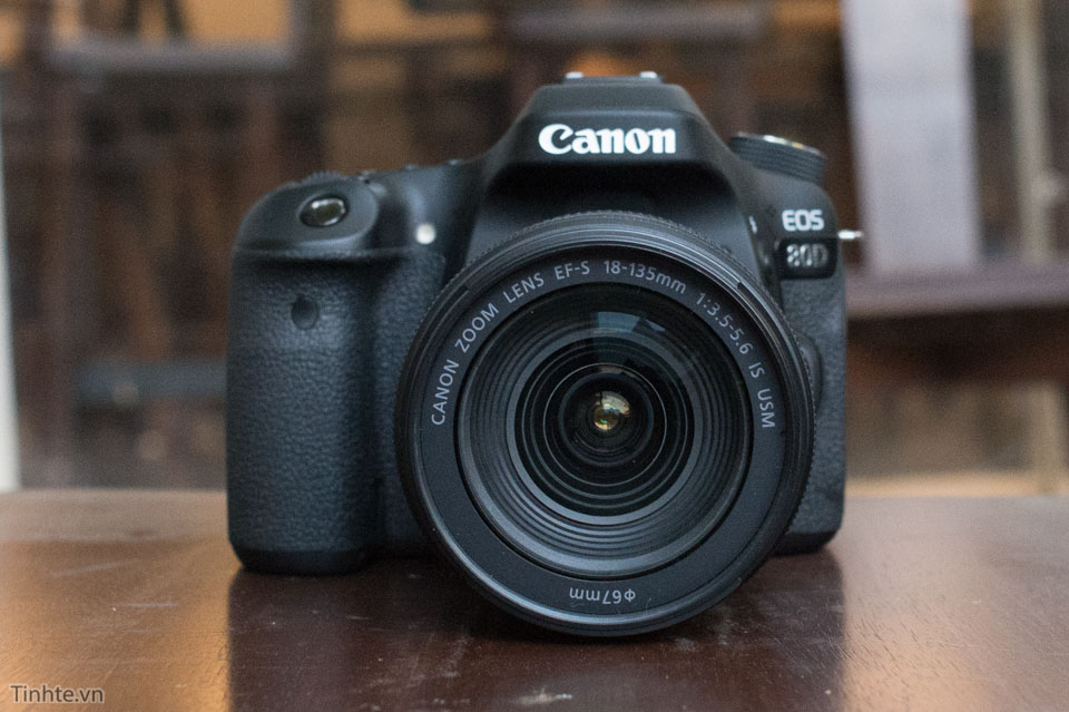 Canon_EOS_80D_tinhte_1.