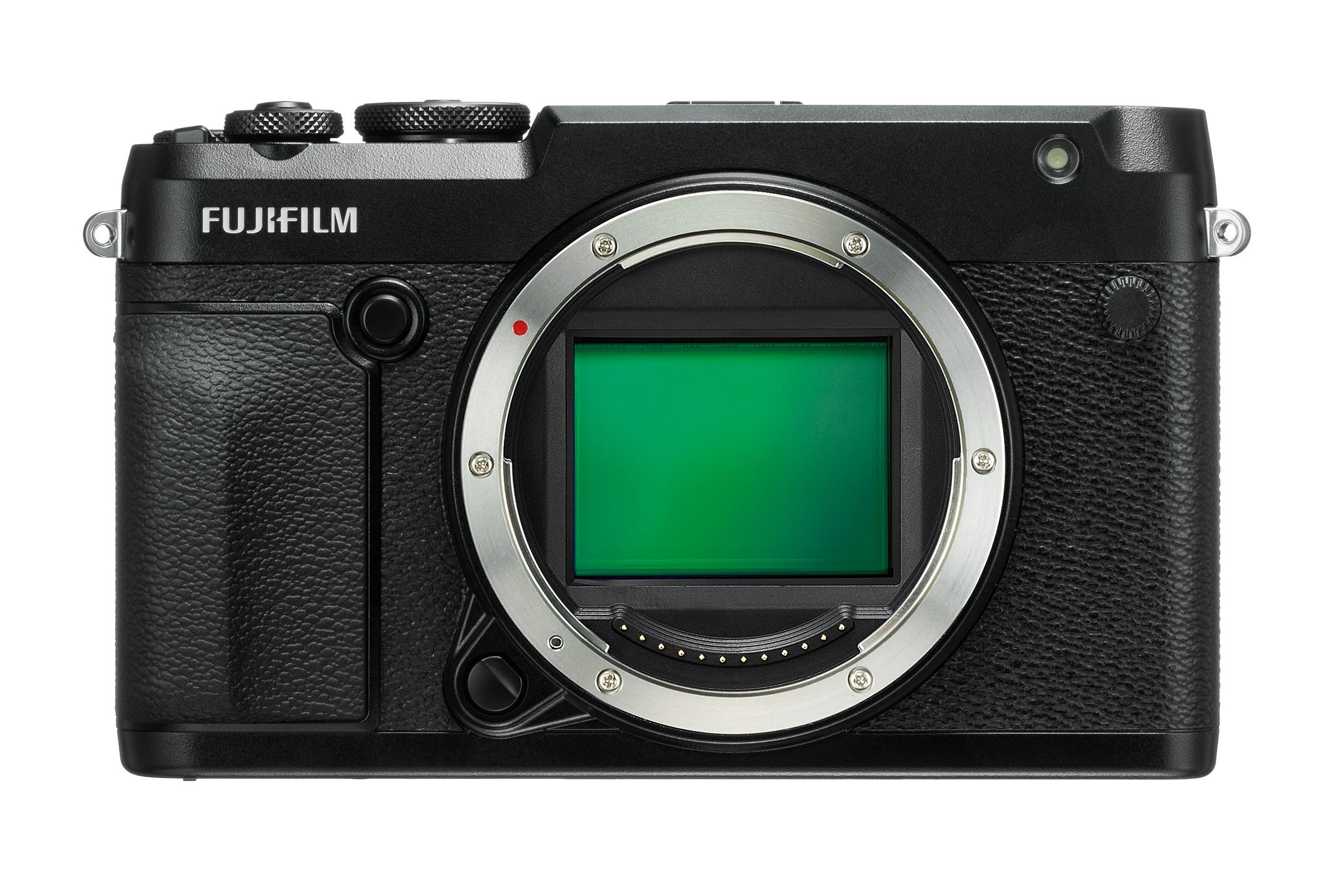 Tại Photokina năm nay, giữa chiến trường mở giữa các máy ảnh mirrorless full frame cao cấp, Fujifilm công bố một thứ còn hiện đại hơn, sang trọng hơn, ...