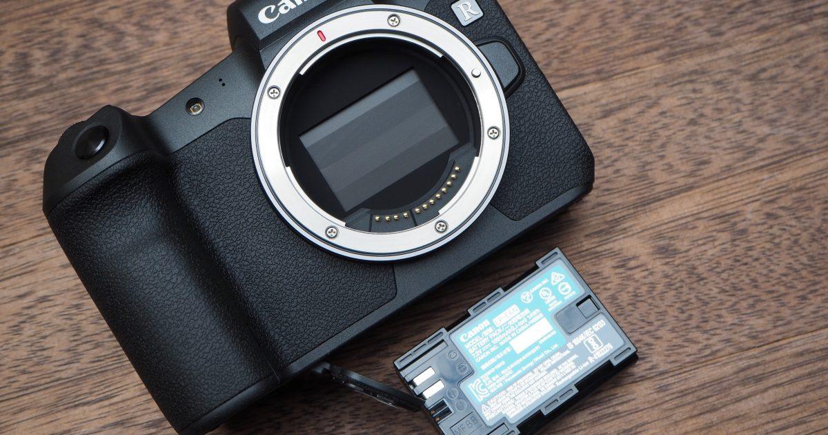 Canon EOS R có thời lượng pin thực tế lâu hơn quảng cáo