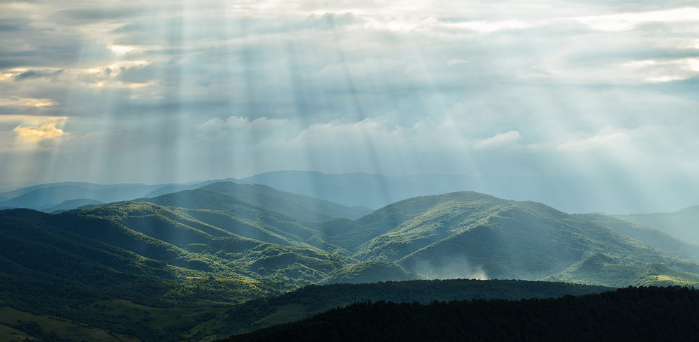 crepuscular-rays