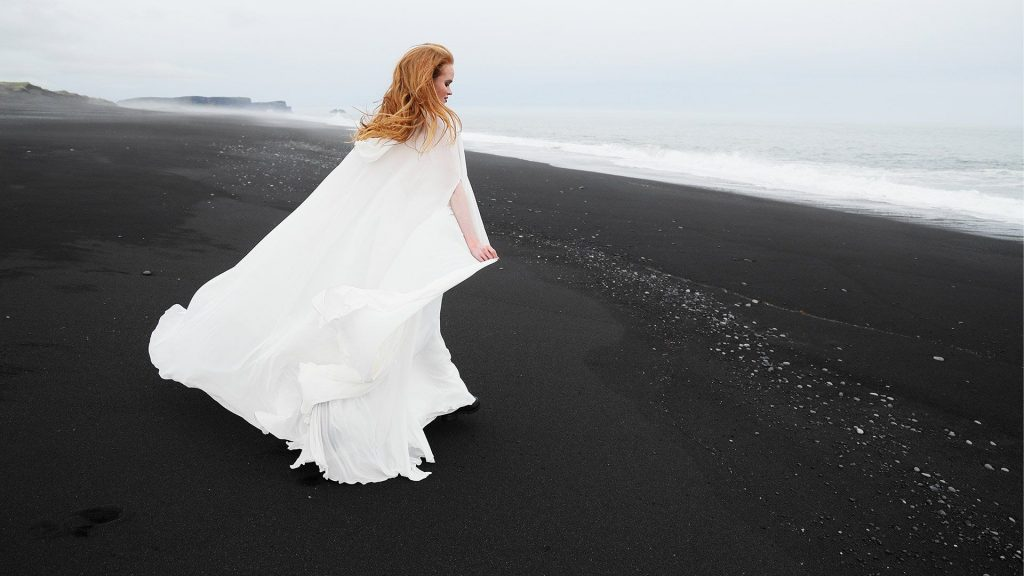female-in-wedding-dress-on-iceland-beach-shot-using-canon-rf-24-105mm-f-4l-is-usm-lens_194801824702031