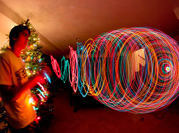 long-exposure-christmas-tree-zoom-out-3