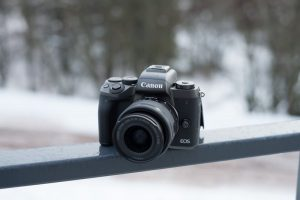 canon-eos-m5-hands-on-2-800x534-c