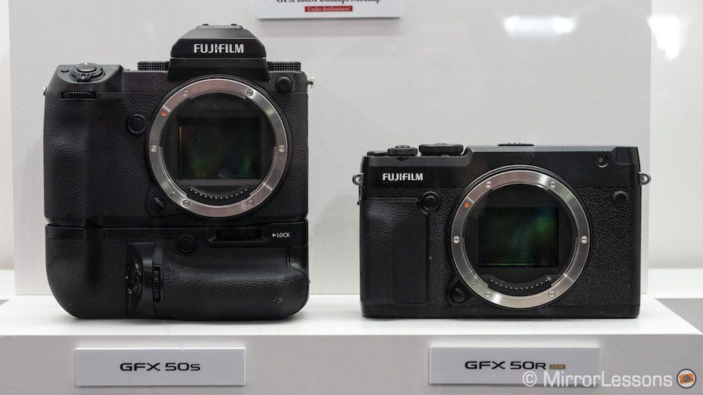fuji-gfx-50r-vs-50s-battery-grip