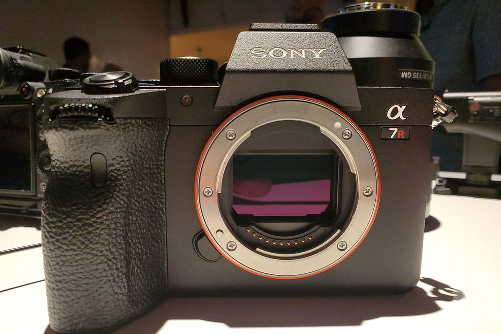 sony-a7r-iv-review-product-1-1000x1000