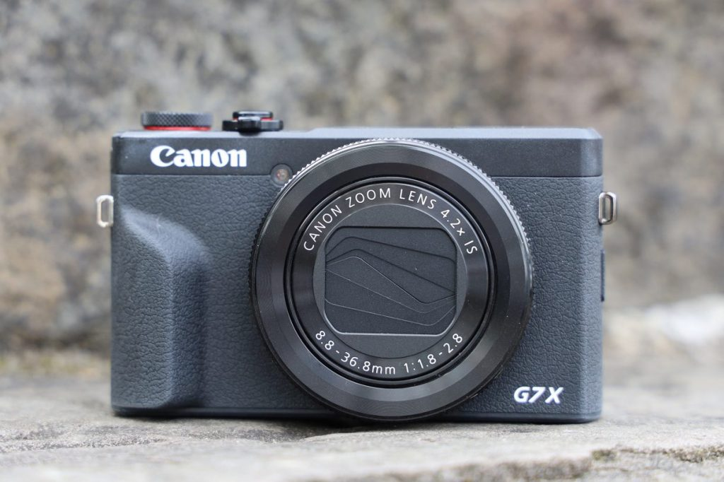 canon_g7x_markii_product_01-1220x813