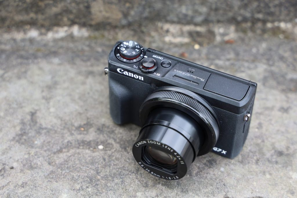 canon_g7x_markii_product_03-1220x813