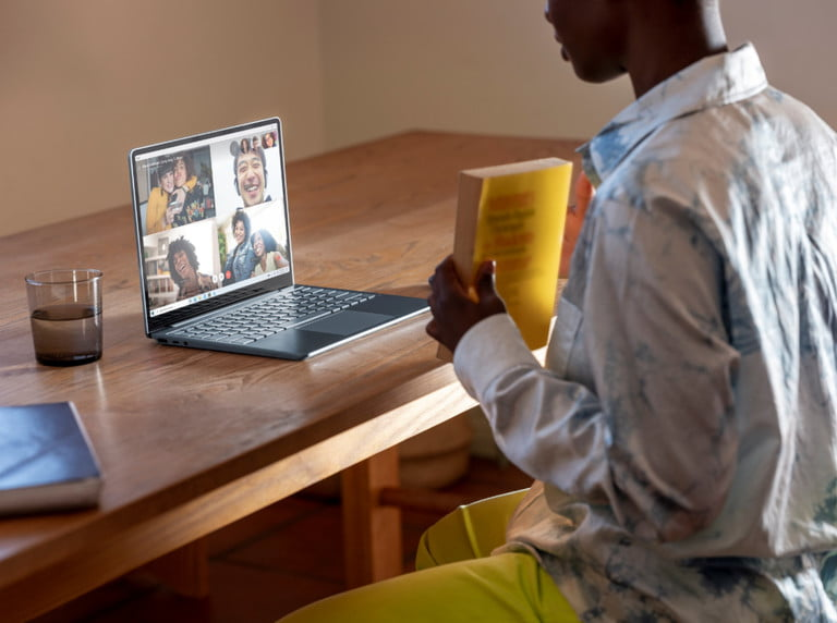 surface-laptop-go-contexual-photo-768x768