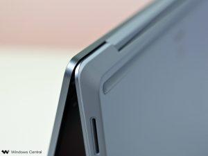 surface-laptop-go-plastic