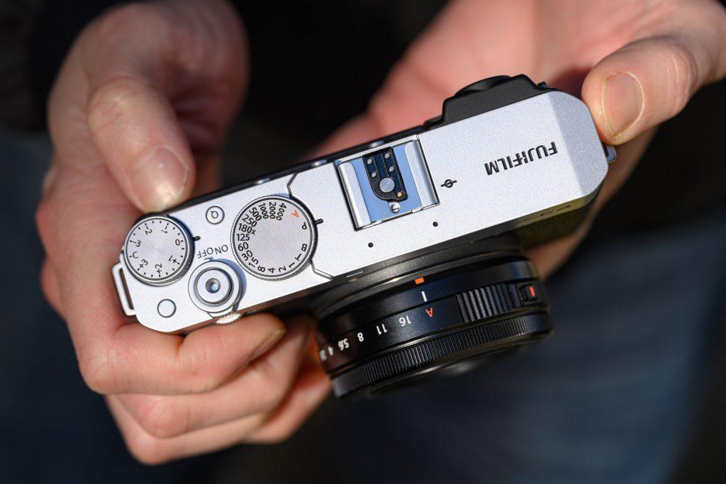 Fujifilm-X-E4-hands-on03