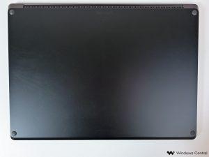 surface-laptop-4-amd-2021-bottom