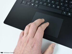 surface-laptop-4-amd-2021-trackpad
