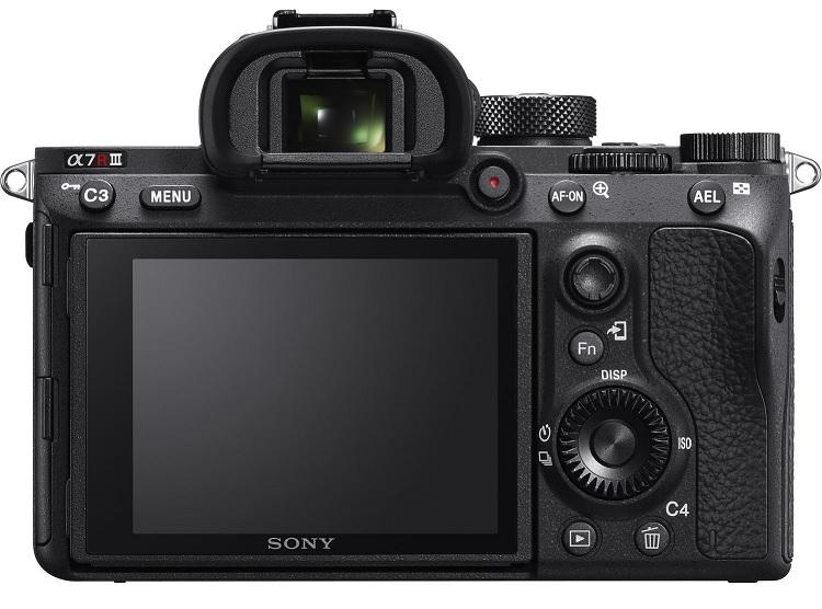 Hình ảnh mặt sau của chiếc máy ảnh A7r III