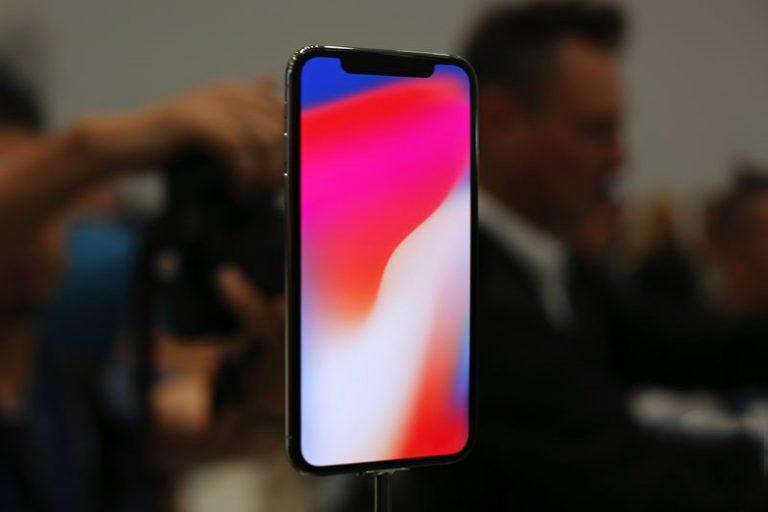 Những hình ảnh thực tế iPhone X – Smartphone tỏa sáng ở tương lai