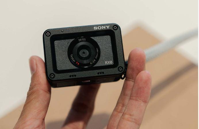 Trên tay Sony RX0: Máy chụp ảnh, quay phim gọn nhẹ, siêu xịn