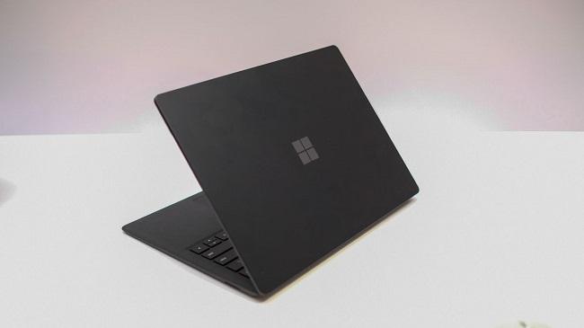 Cái nhìn đầu tiên về Surface Laptop 2