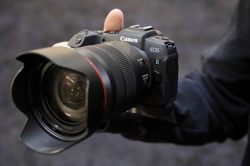 Trên tay Canon EOS RP – Tiềm năng mới trong một body nhỏ và nhẹ